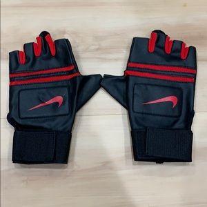 Nike Weightlifting Gloves